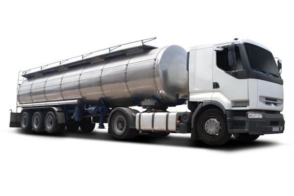 Bulk commodity truck